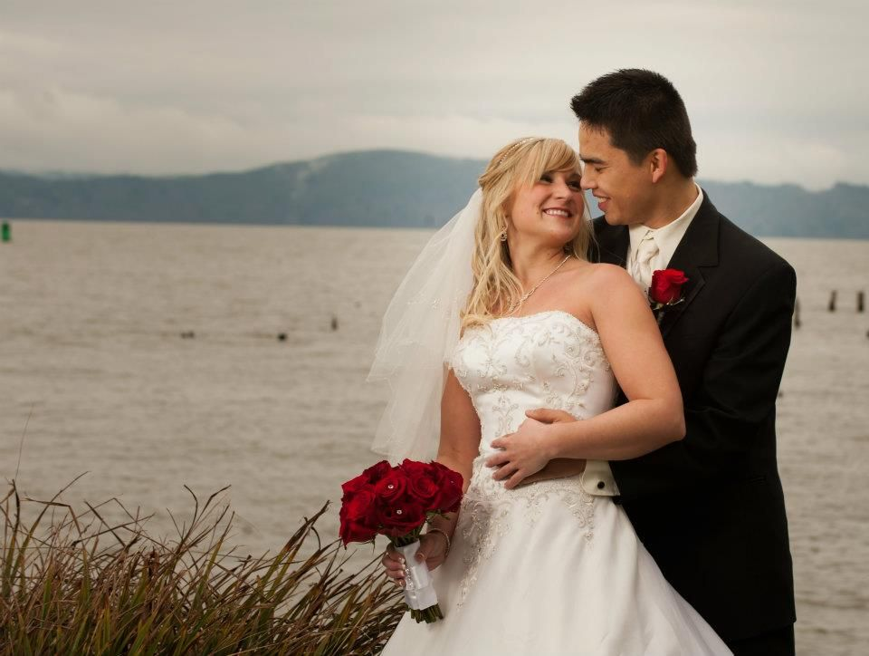 Firstanniversarygiftsforwife1jpg 960724 wedding