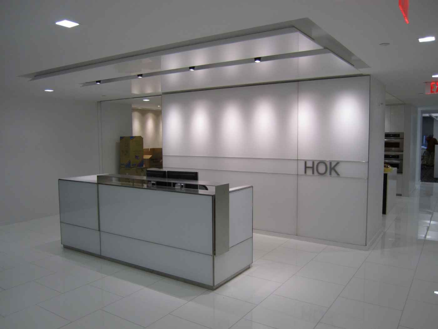 Modern hok reception desk ideas reception counters for Modern office area