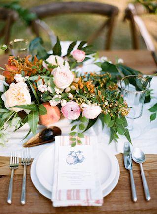 Configuración de lugar del Sur |  Anna Routh y Graham Fotografía Terhune |  ver más en: http://burnettsboards.com/2014/11/southern-weddings-sneak-peek/
