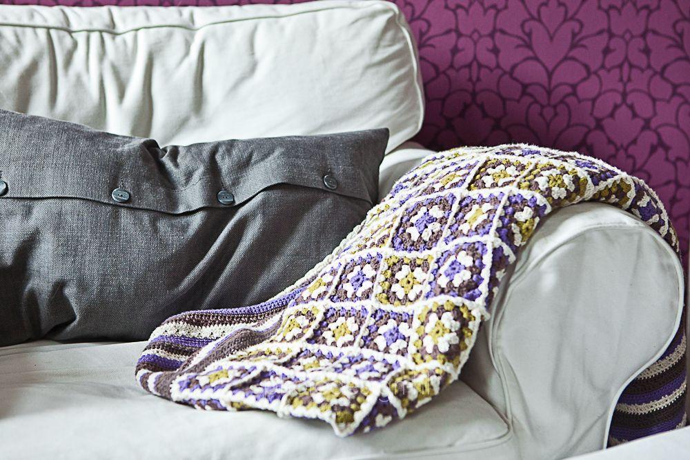 Für diesen Überwurf habe ich Baumwollgarn genommen, welches ich in Norwegen gekauft habe. Eine Anleitung für die Decke habe ich nicht. Zu...