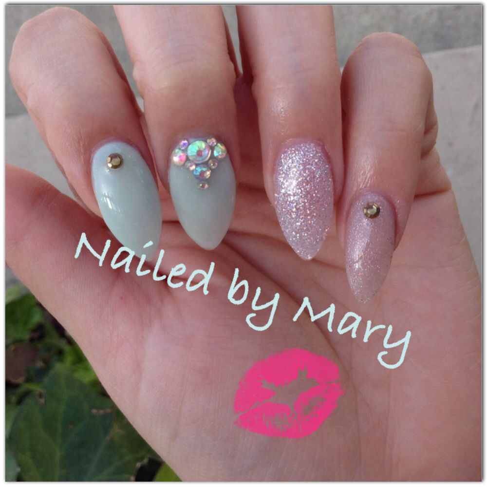 Stiletto mint green simple nails | Nailed by Mary | Pinterest ...