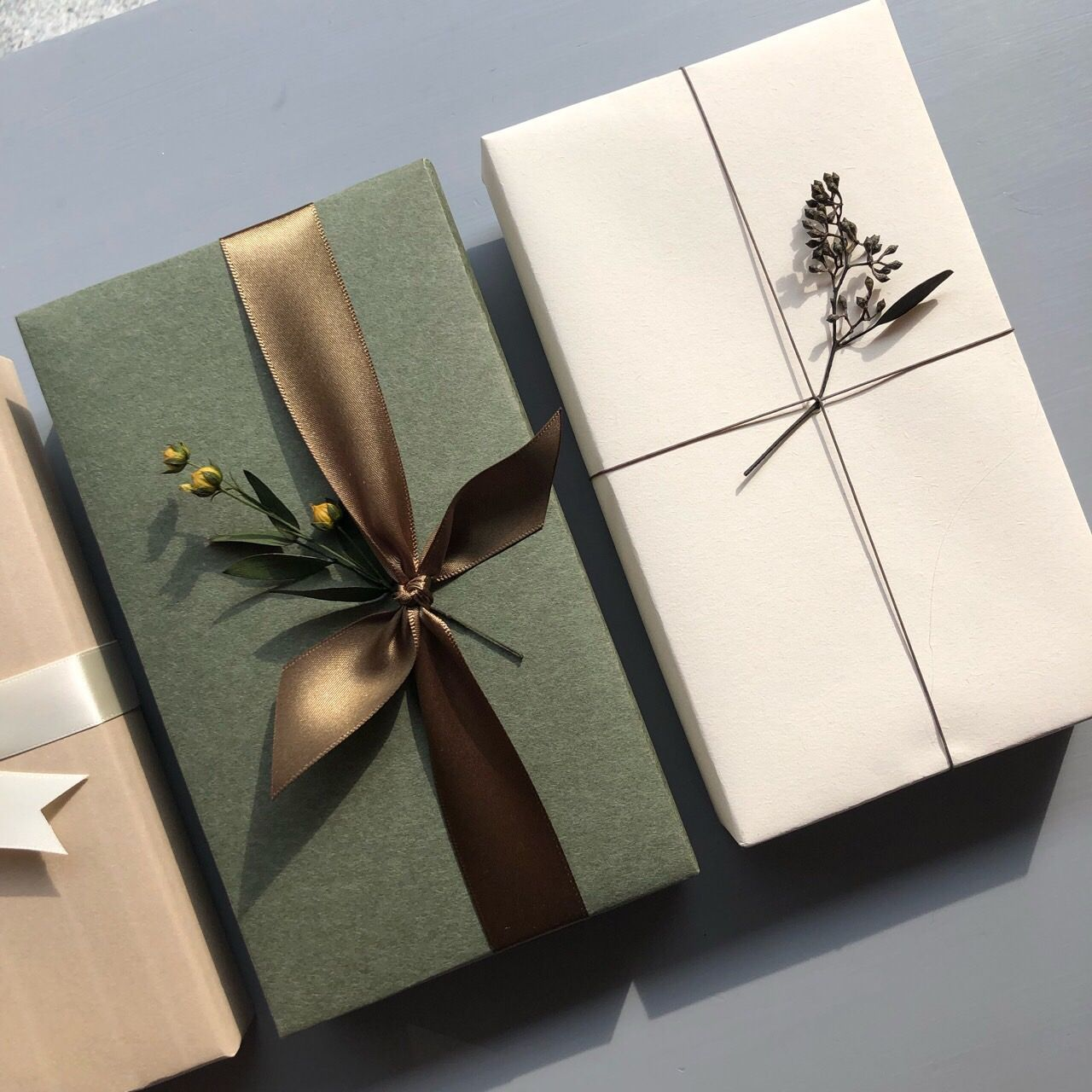 Minimalist Christmas Wrapping With Plants