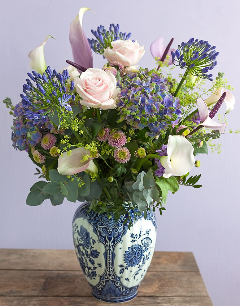 Embrace the Independent Boom with Bouquets Fresh flowers