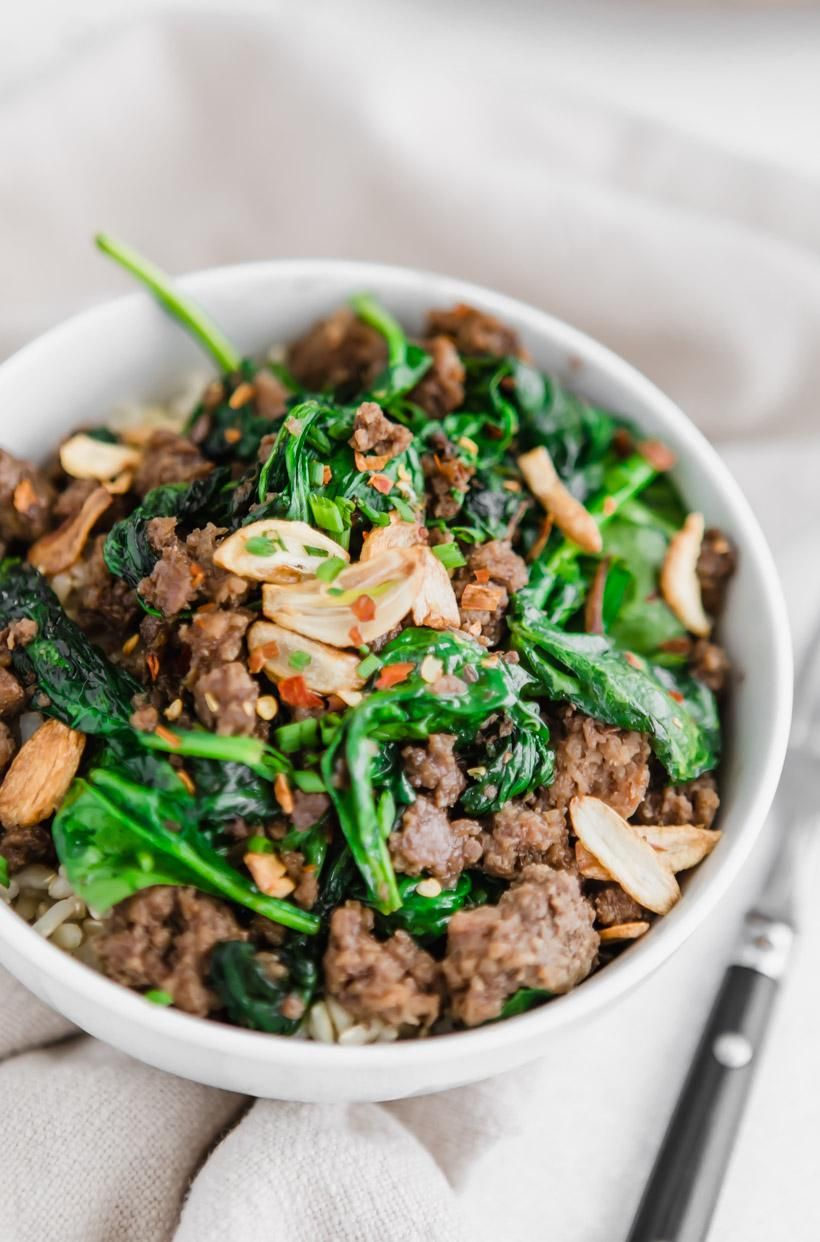 Thai Beef Bowl With Garlic And Spinach Recipe Beef Bowls Ground Beef And Spinach Thai Beef