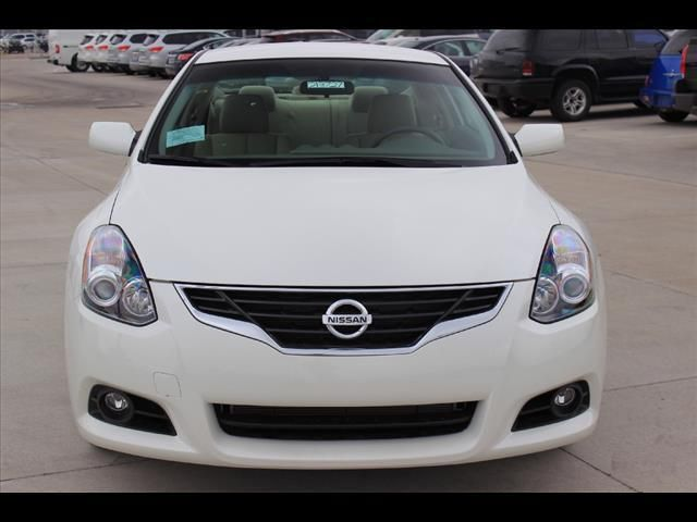 2013 Nissan Altima 2 5s 2 5 S 2dr Coupe Coupe 2 Doors White For Sale In Wichita Ks Source Http Www Usedcarsgroup Com U Nissan Altima New Cars Cars For Sale
