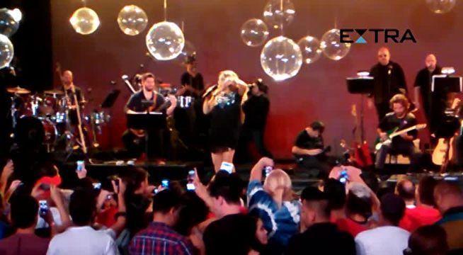 Angélica canta 'Vou de táxi' na reedição do 'Globo de ouro', mas avisa que não retomará carreira na música