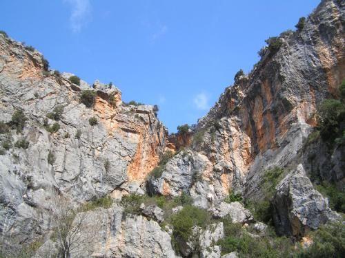Le montagne: sarà su questi terreni che si deciderà il Giro D'Italia? Scoprilo nel libro Veni Vidi Vici Bici! (da 0 a 139 anni). Trovi il libro qui: https://www.xinxii.com/en/veni-vidi-vici-bici-da-139-anni-p-349674.html