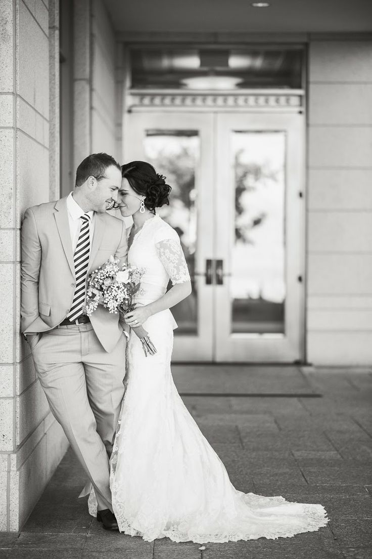 Kelsey & Kevin : Oquirrh Mountain Temple | Posing Ideas | Pinterest ...