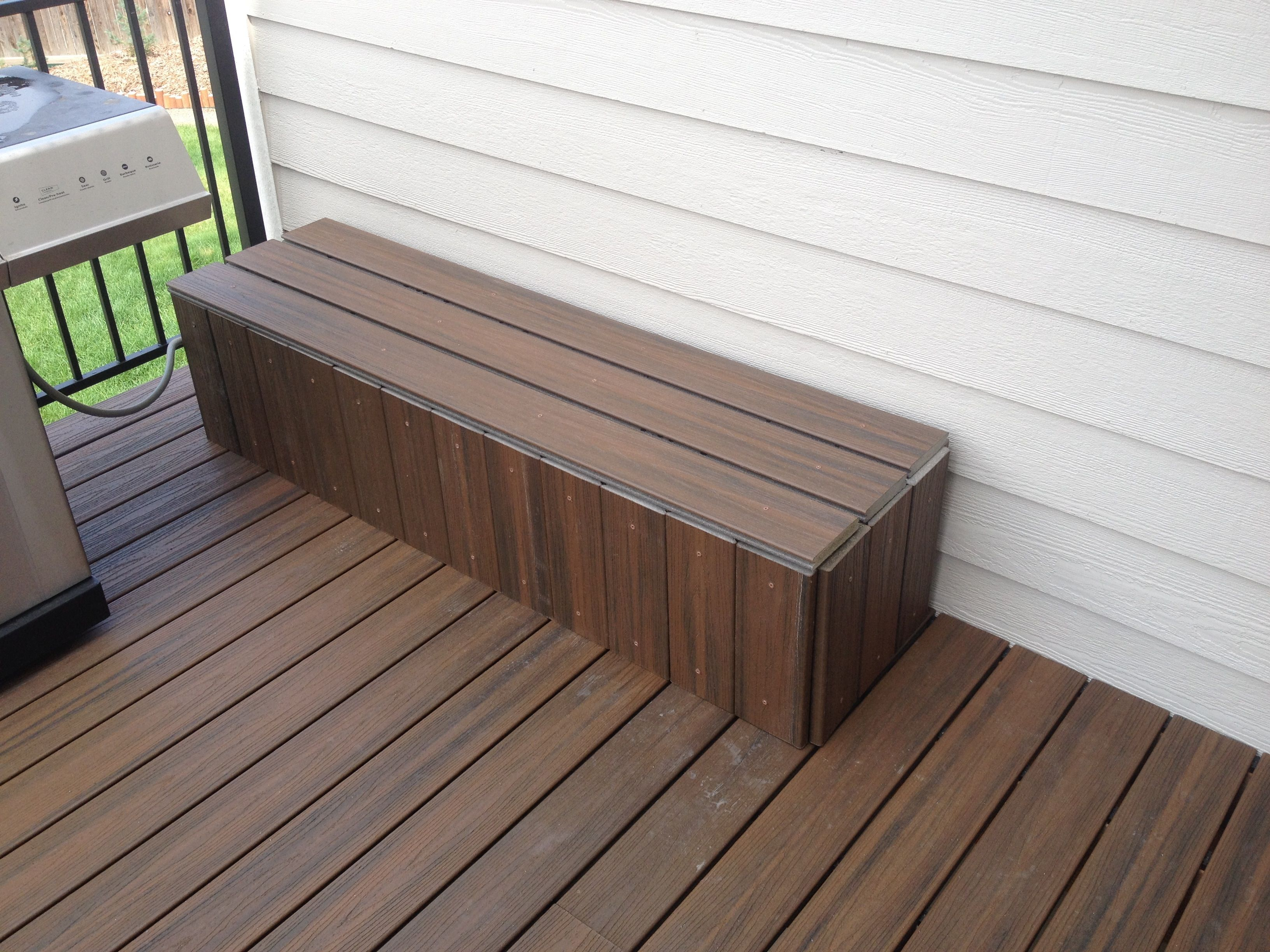 Extra Deck Trex Material Is Perfect To Build This Bench Waterproof Bin That Also Hides The Gas Line For The Trex Deck Waterproof Patio Storage Trex Material