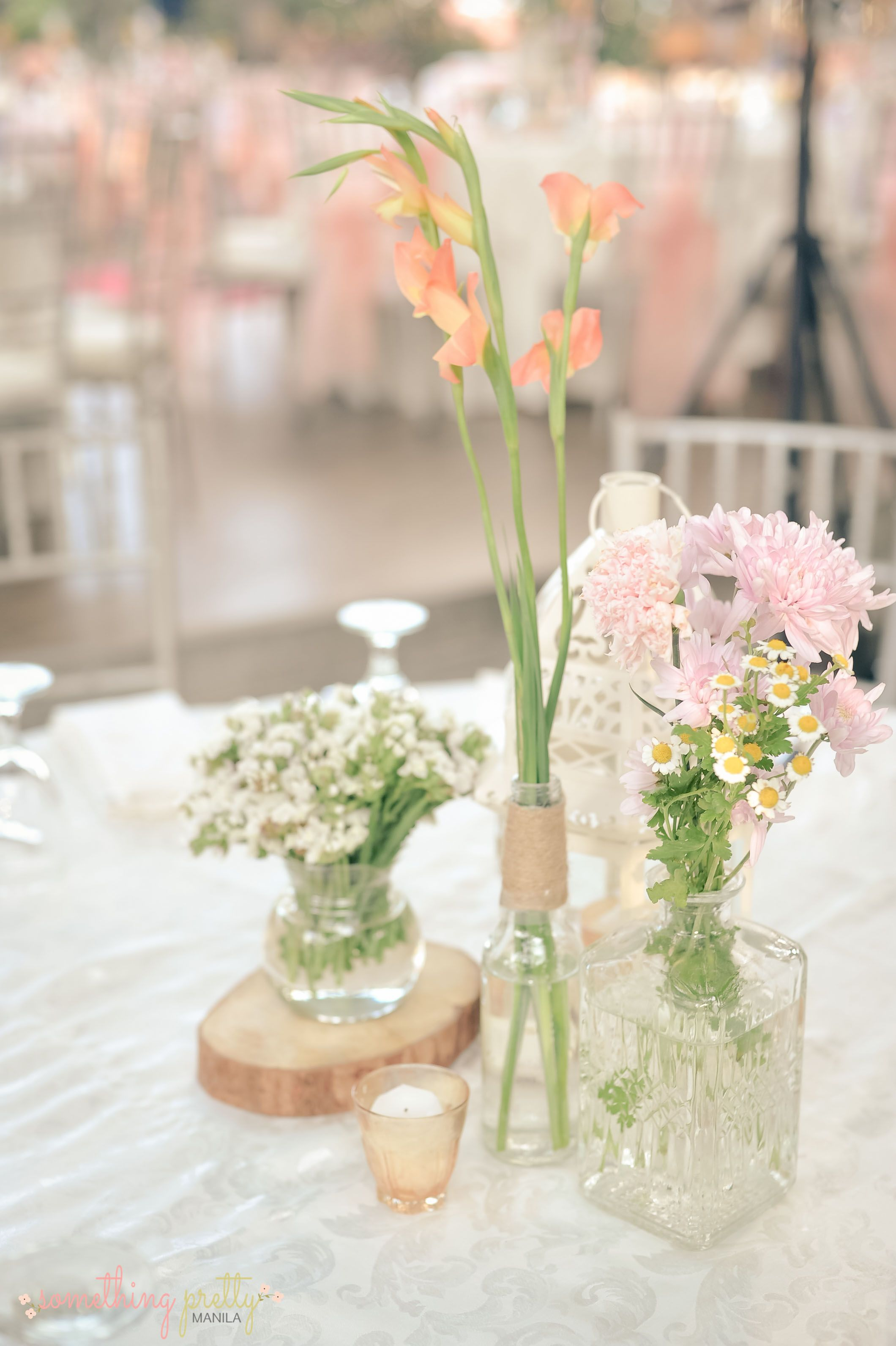 Table Centerpiece Setting for Patrick and Iris\' Rustic Wedding ...