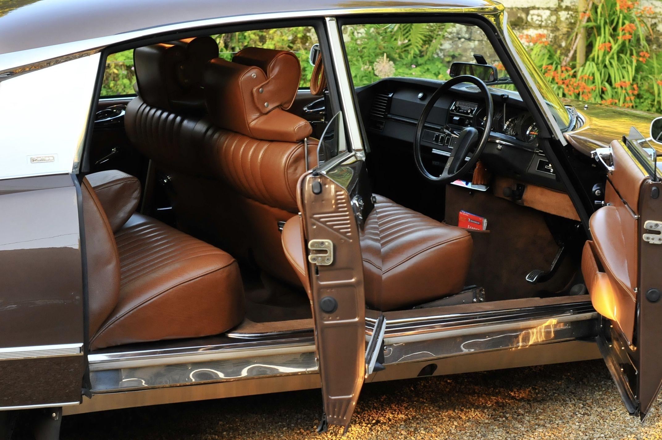 citroen ds pallas interior by enzo forgione citroen ds 23 efi pallas uk 1973 brun scarab e. Black Bedroom Furniture Sets. Home Design Ideas