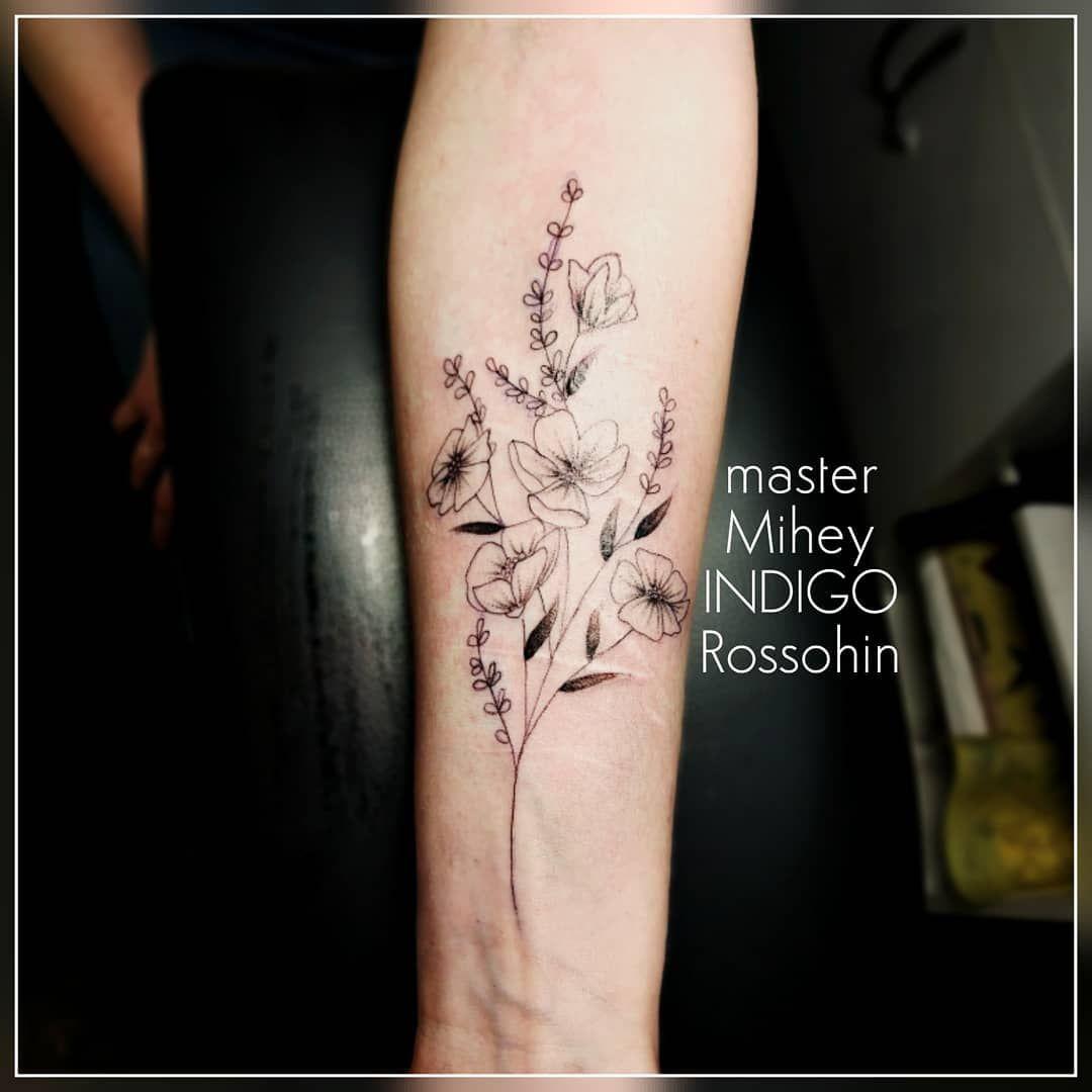 И дело даже не в перекрытии старых царапинок, просто Настя триллион лет мечтала о цветочках на предплечье, и после встречи со мной маленькая мечта наконец сбылась!  Безграничный восторг, визги счастья, и бесконечно довольная Настя, что может быть восхитительнее!! #tattoo #tattoolifestyle #tattoostudio #tattooinkirov #tattoomaster #arttattoo #tattooworkers #delicatestattoos #inkstagram #tattoo_artwork #skinarttattoo #ornamentaltattoo #tattooer #designlife #instaartwork #inks #inkedbabes #inkedupg