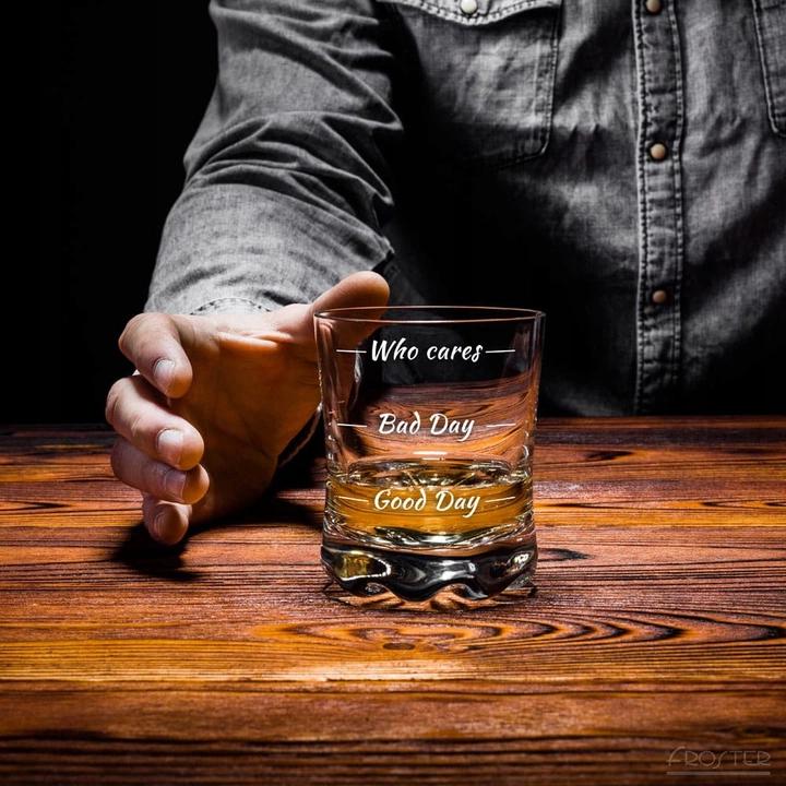 Szklanka Do Whisky Who Cares Na Dzien Chlopaka 8496776306 Oficjalne Archiwum Allegro Whisky Beer Mug Beer Glasses