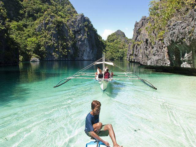 Super pristine!!! Big Lagoon - Palawan, Philippines by Loïc Romer (flickr)
