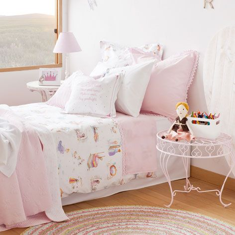 princesses print bed linen bed linen linen bedroom and. Black Bedroom Furniture Sets. Home Design Ideas