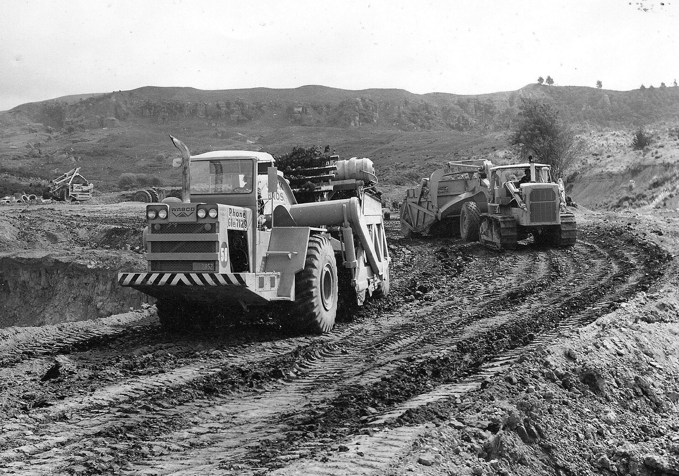 Classic Machines: The Wabco 222 elevating scraper | Proud To