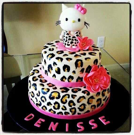 Cute little lady Hello Kitty Cake! Saw it on Facebook, forgot which page, had to pin! :)