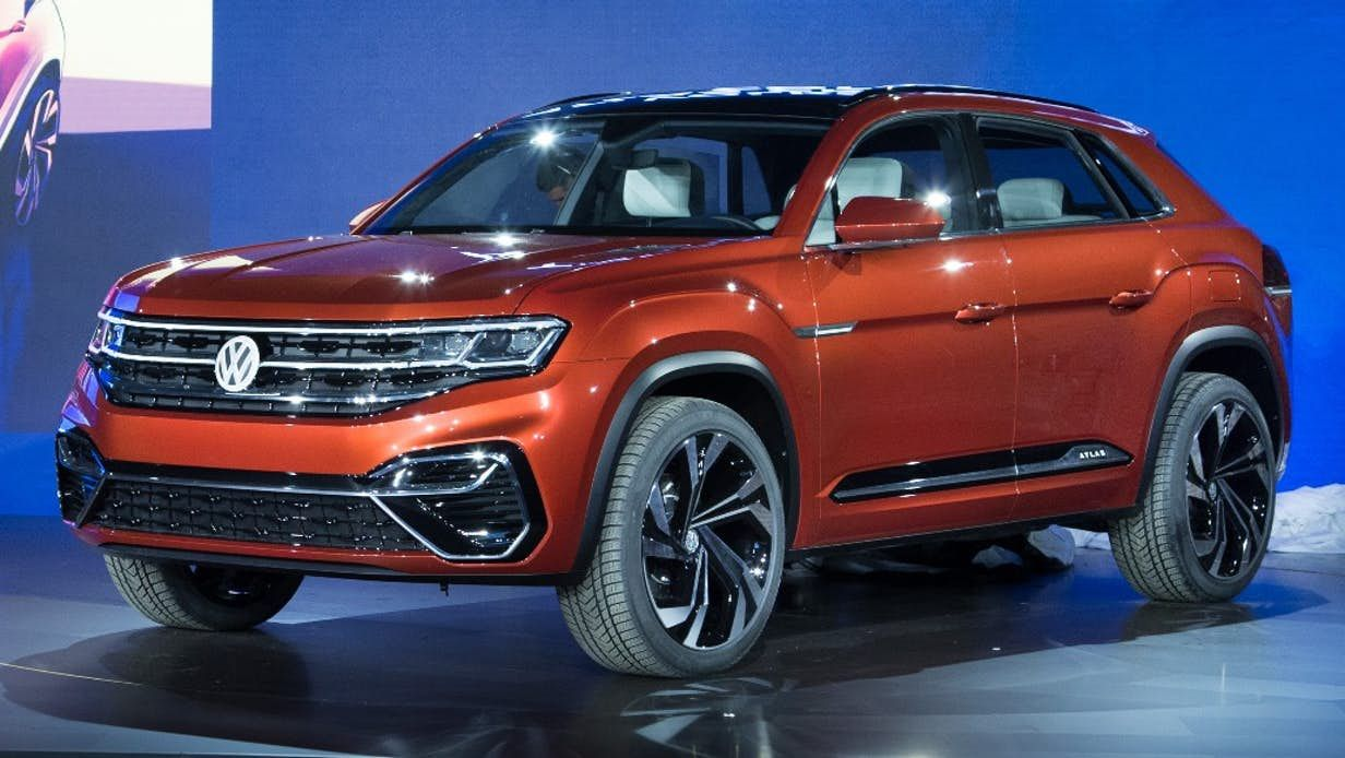 VW previews 2019 SUV in New York with Atlas Cross Sport