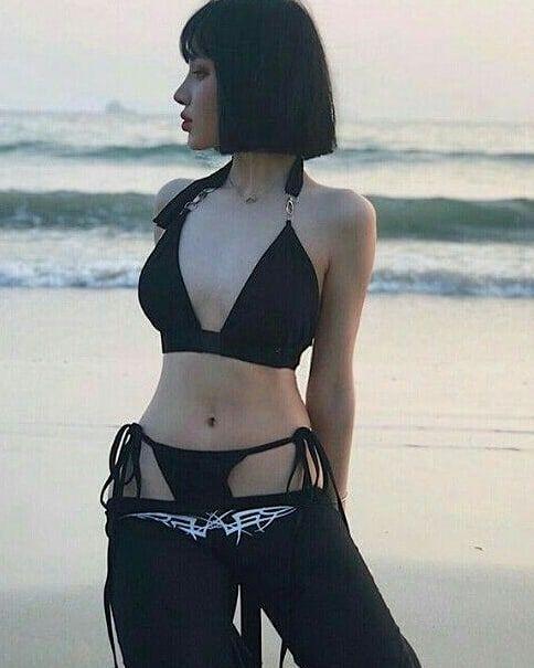bikini asiatisk naken