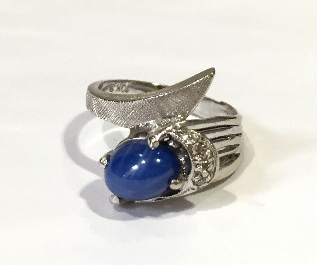 Vintage Linde Blue Star Sapphire Ring With Diamonds Oval Sapphire And Three Diamonds Set In 10k Star Sapphire Ring Blue Star Sapphire Blue Star Sapphire Ring