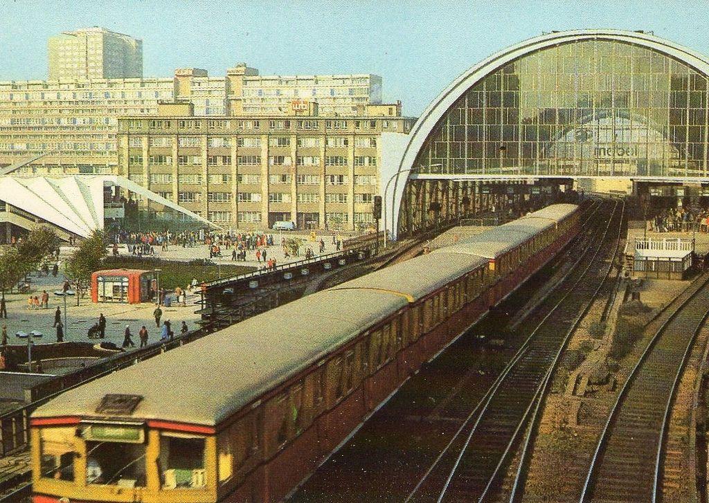 Berlin Ca 1980 Berlin Hauptstadt Hauptstadt Der Ddr Berlin Heute