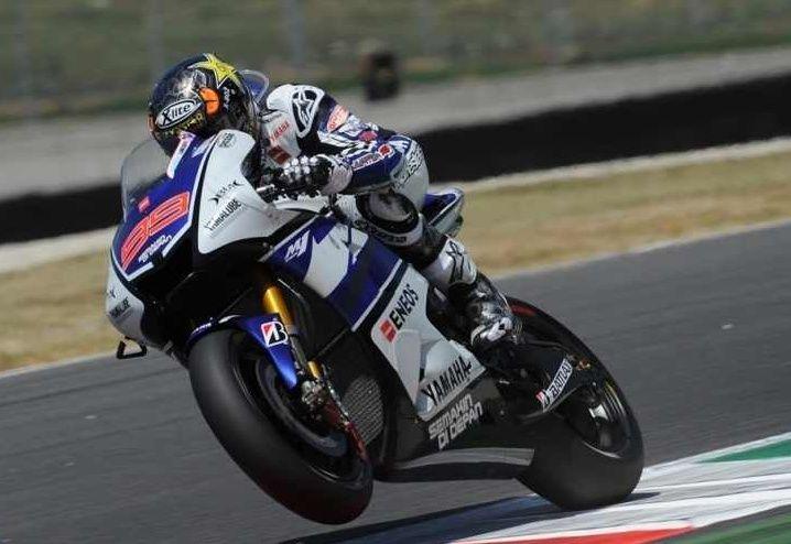 Lorenzo @lorenzo99 extends championship lead with convincing win at Mugello ahead of Pedrosa and Dovizioso #MotoGP
