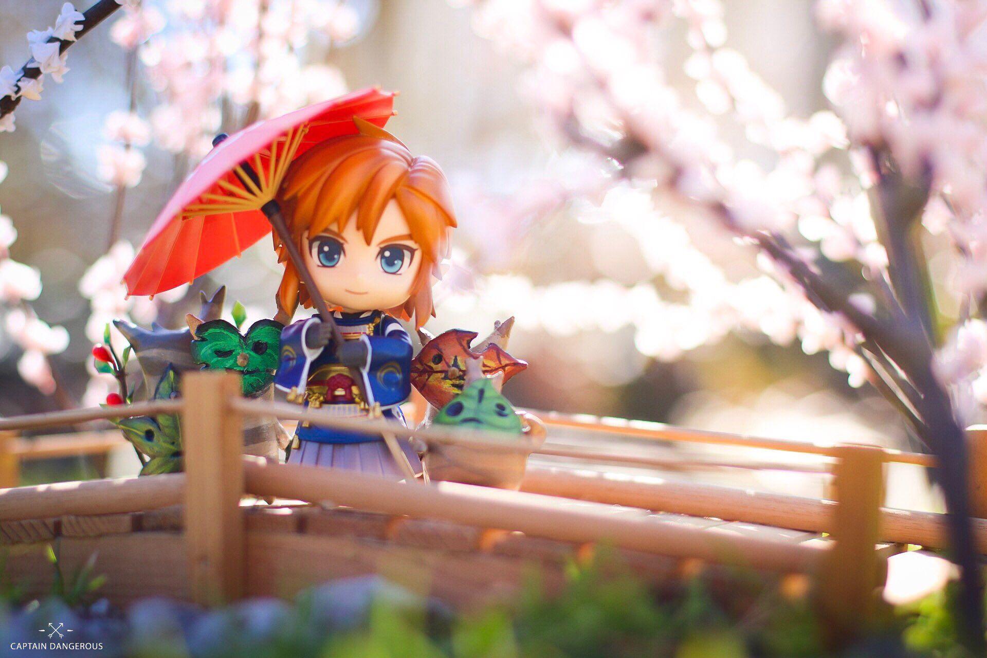 Cute Link Link Chibi Sakura Tree Anime Figures