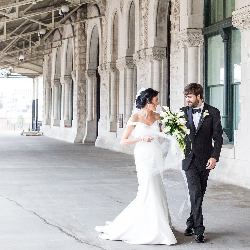 Felicia & Tyler's wedding preview is on the blog today. Link in profile.   #kvpbride #felforfrasch #nashville #blacktie #nashvillewedding #unionstation #weddingphotos