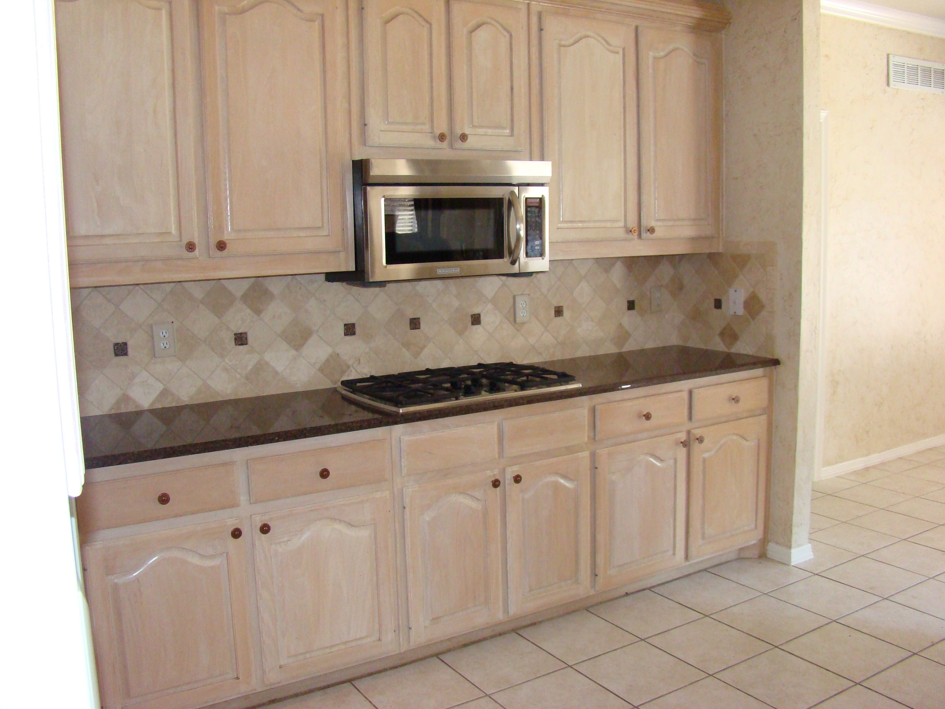 Kitchens with pickled oak cabinets kitchen remodel for Kitchen remodel oak cabinets