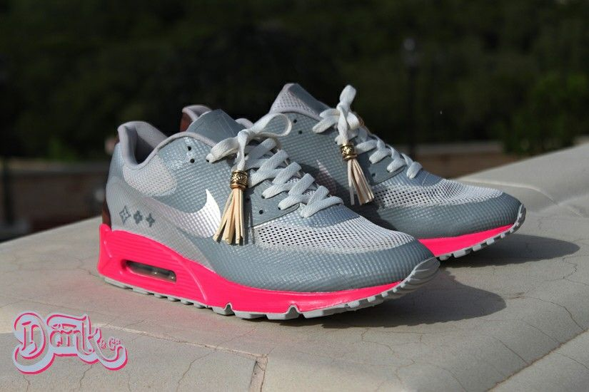check out c75e7 9b270 Air max 90 Louis Vuitton by kanye west