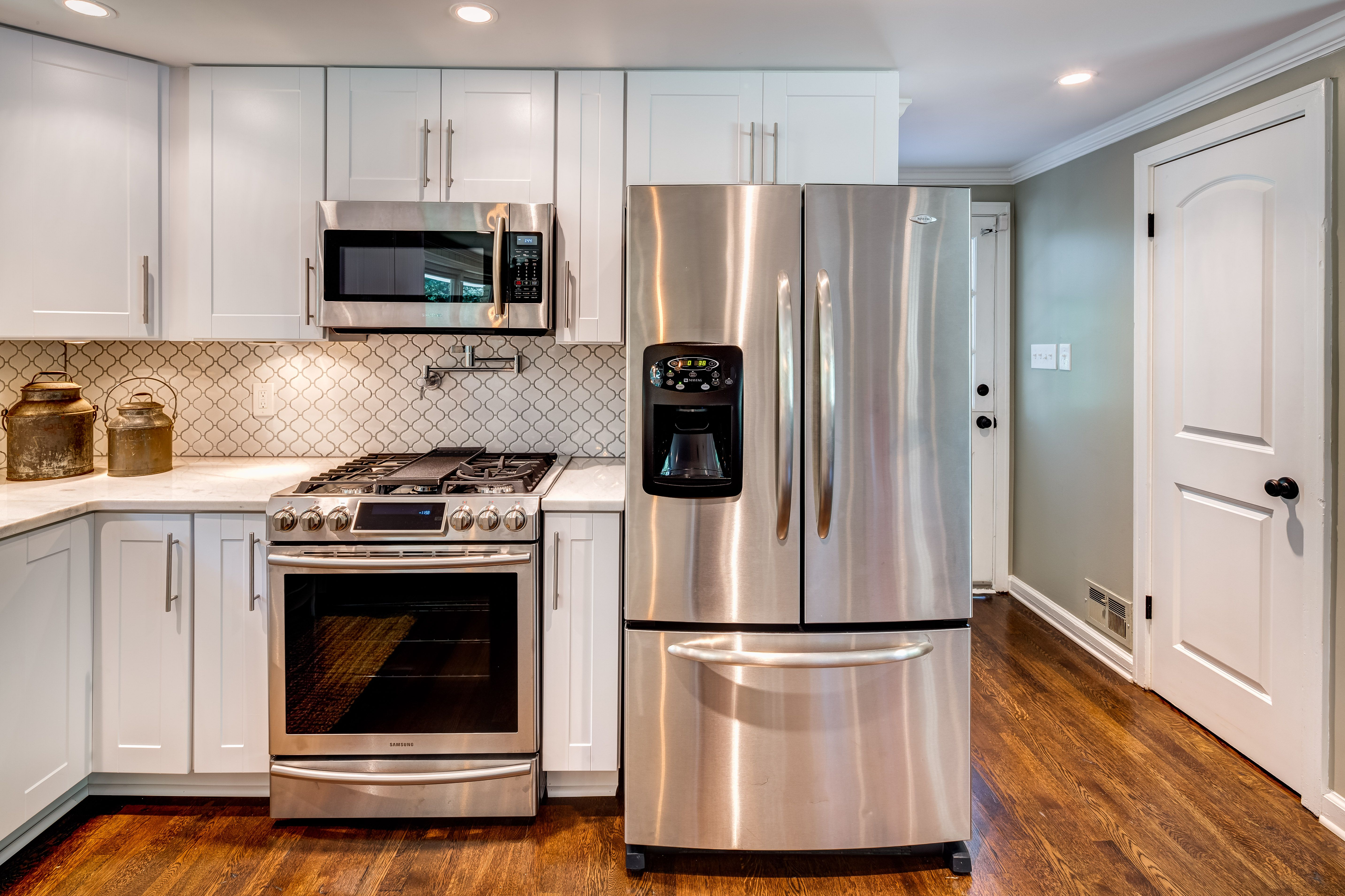 Tile And Cabinet Work For Sandy Springs Atlanta Ga Kitchen Renovation Kitchen Renovation Kitchen Kitchen Cabinets