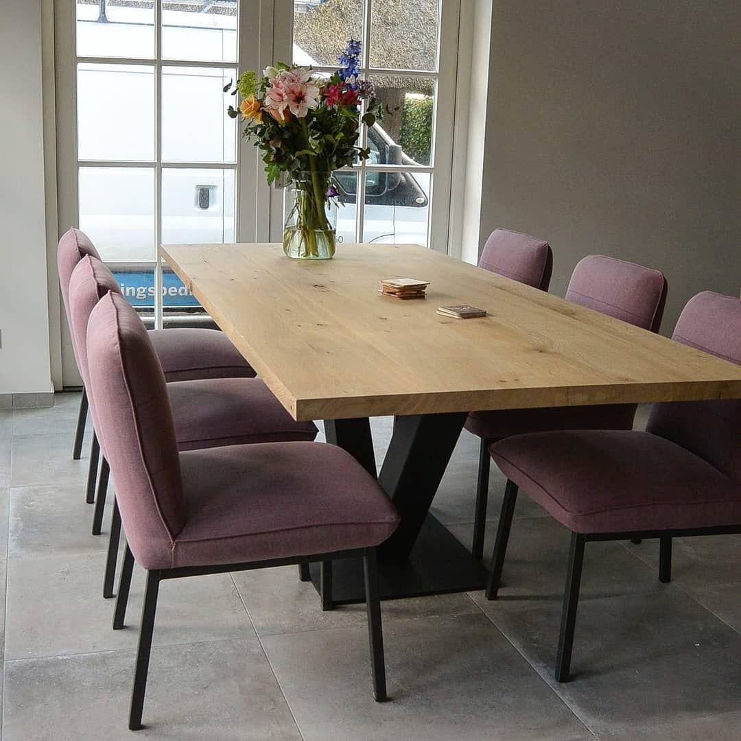 weer een mooie eettafel met eetkamerstoelen afgeleverd wij kunnen onze stoelen met stalen poten