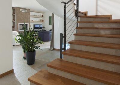 Scale interne bianche legno cerca con google my house - Rivestimento scala interna ...