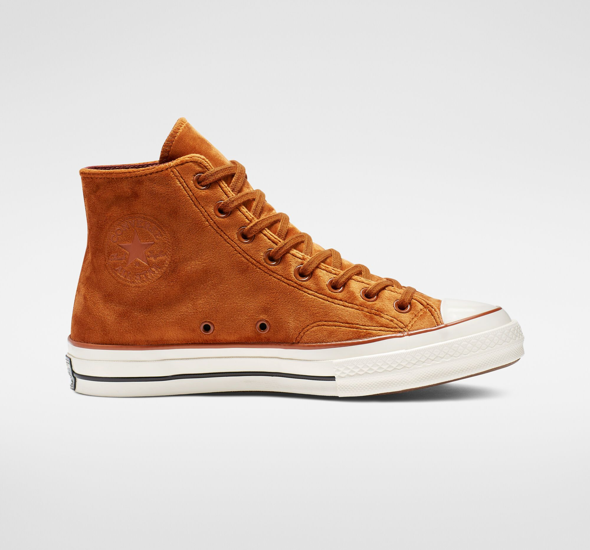 Chuck 70 Velvet High Top Unisex Shoe (With images ...