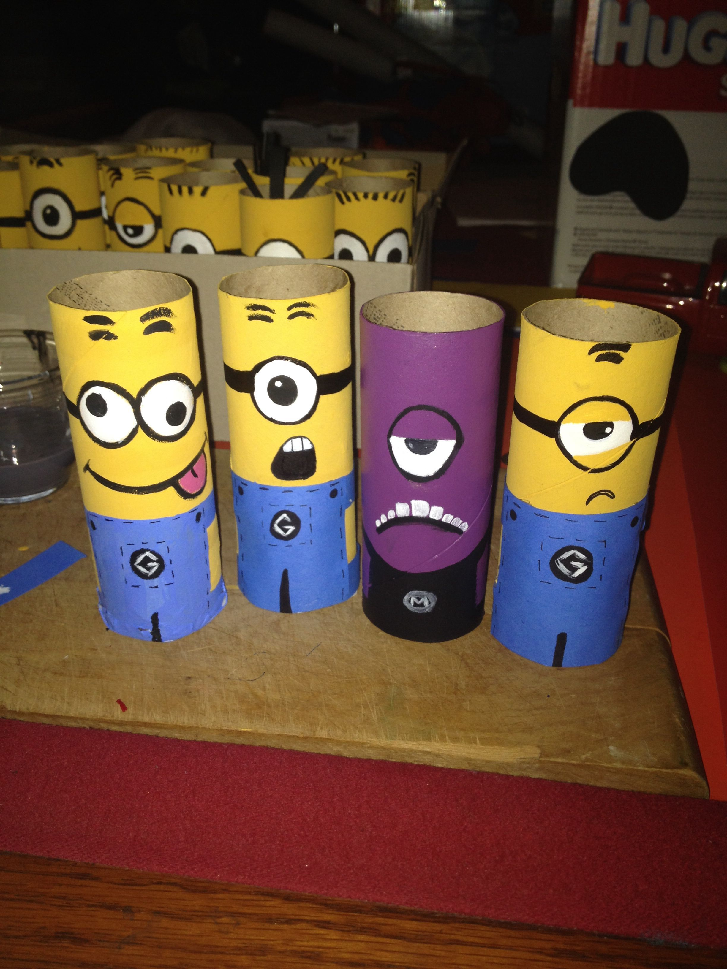 diy minion toilet paper roll craft craft ideas pinterest bricolage rouleau papier. Black Bedroom Furniture Sets. Home Design Ideas