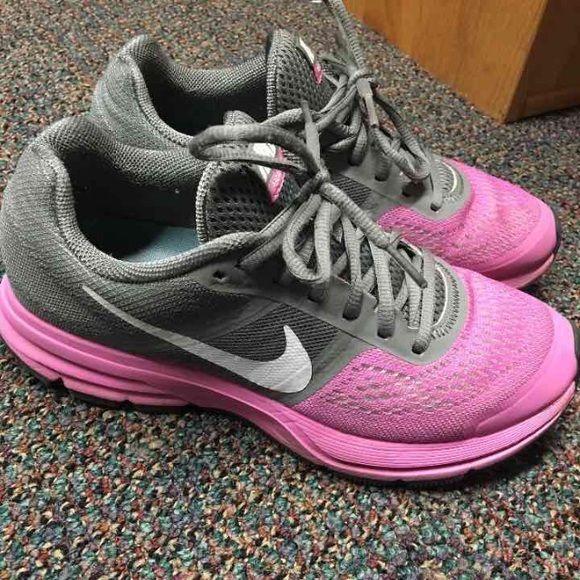 Nike pegasus 30 Like new! Light pink and gray nike pegasus. Size 8 (