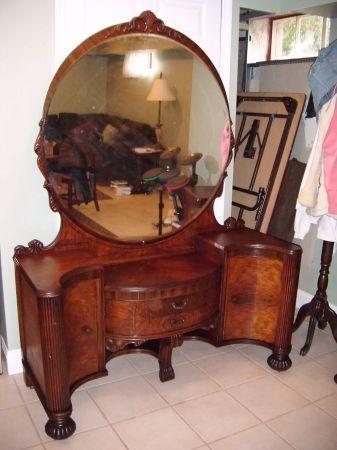 Antique Vanity With Mirror Antique Vanity Antique Vanity Set Beauty Room Vanity