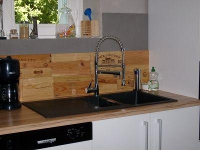 cr dence caisse de vin en bois id es maison pinterest caisses de vin cr dence et caisse. Black Bedroom Furniture Sets. Home Design Ideas