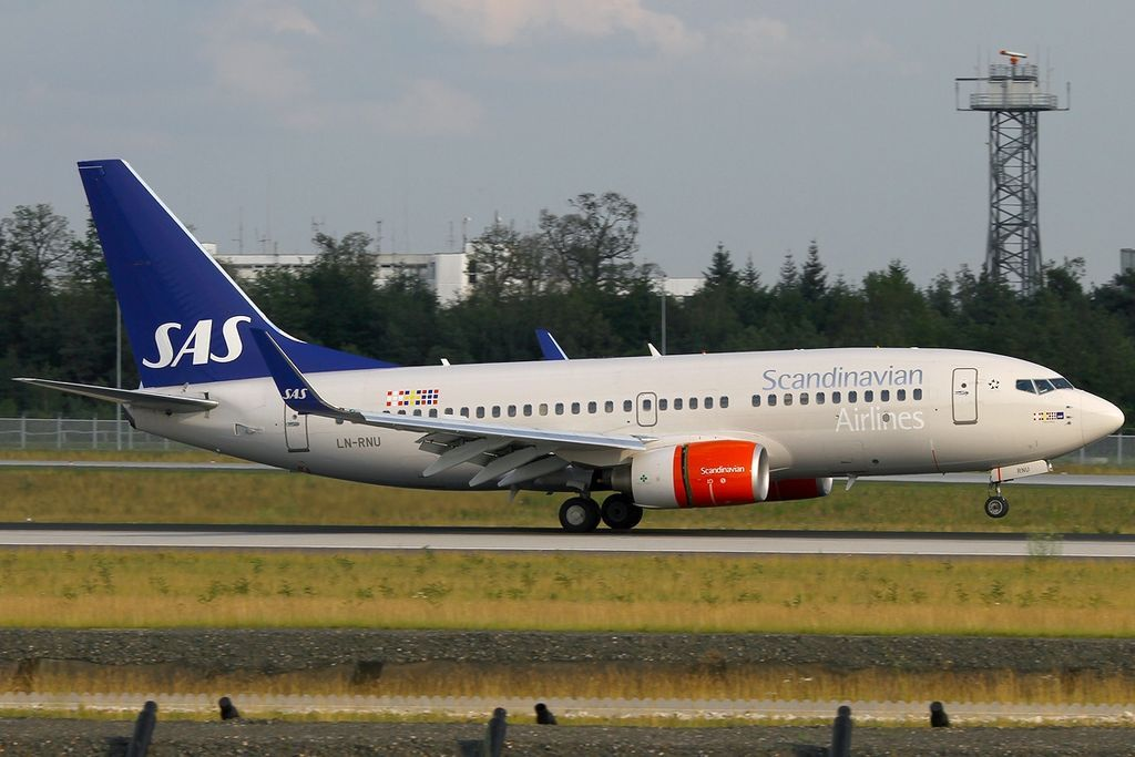 Scandinavian Airlines Sas Boeing 737 783wl Ln Rnu Hans Viking At Frankfurt Airport In 2020 Sas Airlines Fleet Boeing 737