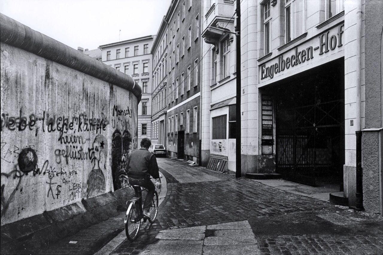 Engelbecken Hof Leuschnerdamm Berliner Mauer Berlin Geschichte Berlin Spree