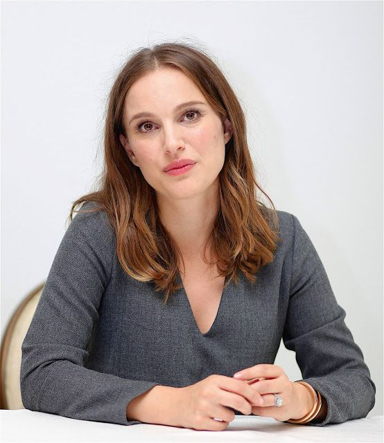 Fashion fan blog from industry supermodels: Natalie Portman - at 'Jackie' Press Conference in ...