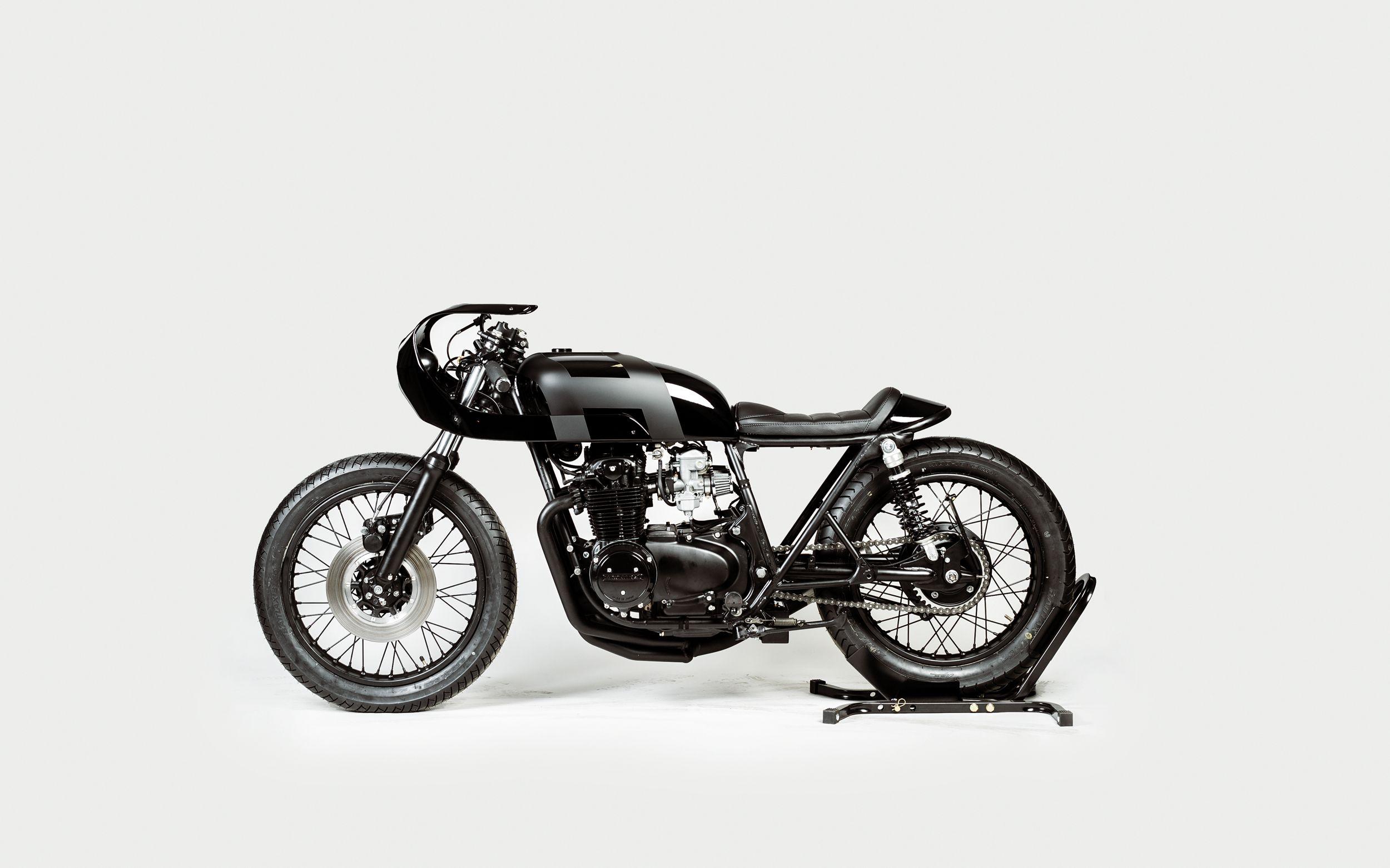 Black Mamba - 1973 Honda CB550 motorcycle by Hookie.com