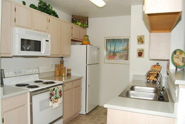 675 699 Galleria Palms Apartments 625 Whitney Ranch Henderson Nv 89014 Sunset Stephanie Renting A House Apartment Home