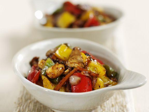 Schweinefleisch mit Gemüse aus dem Wok ist ein Rezept mit frischen Zutaten aus der Kategorie Schwein. Probieren Sie dieses und weitere Rezepte von EAT SMARTER!