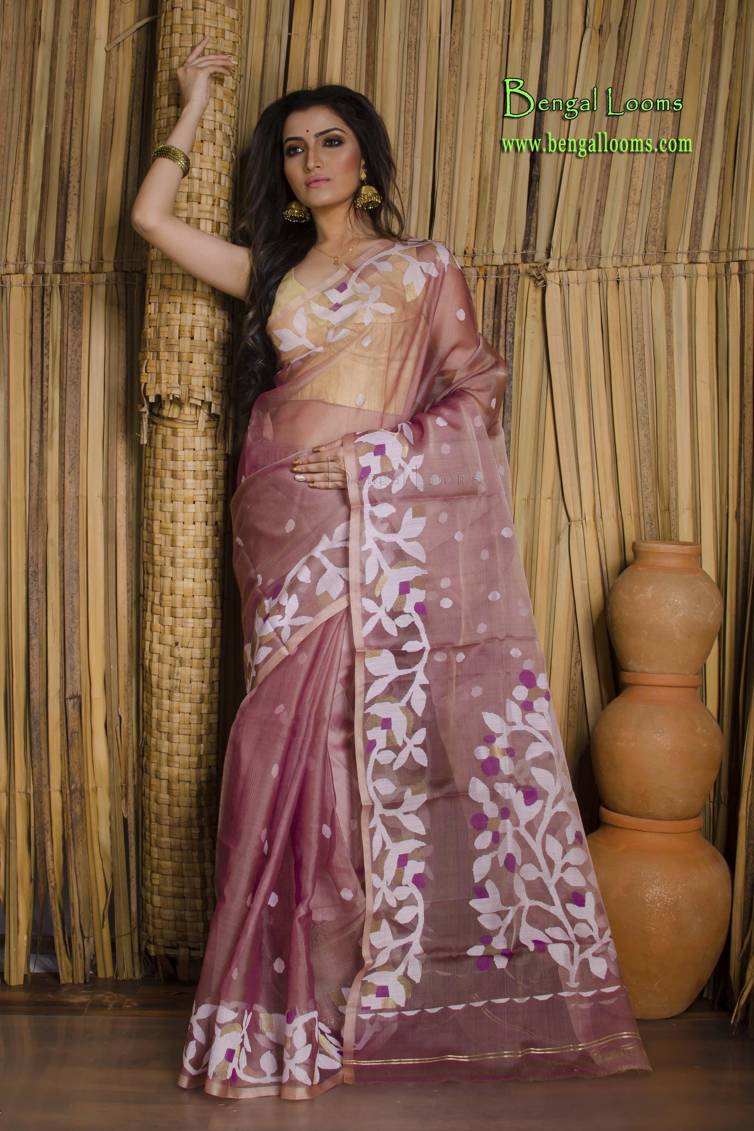 a6cf21b6b63a03 Muslin Jamdani Saree in Onion Pink and White