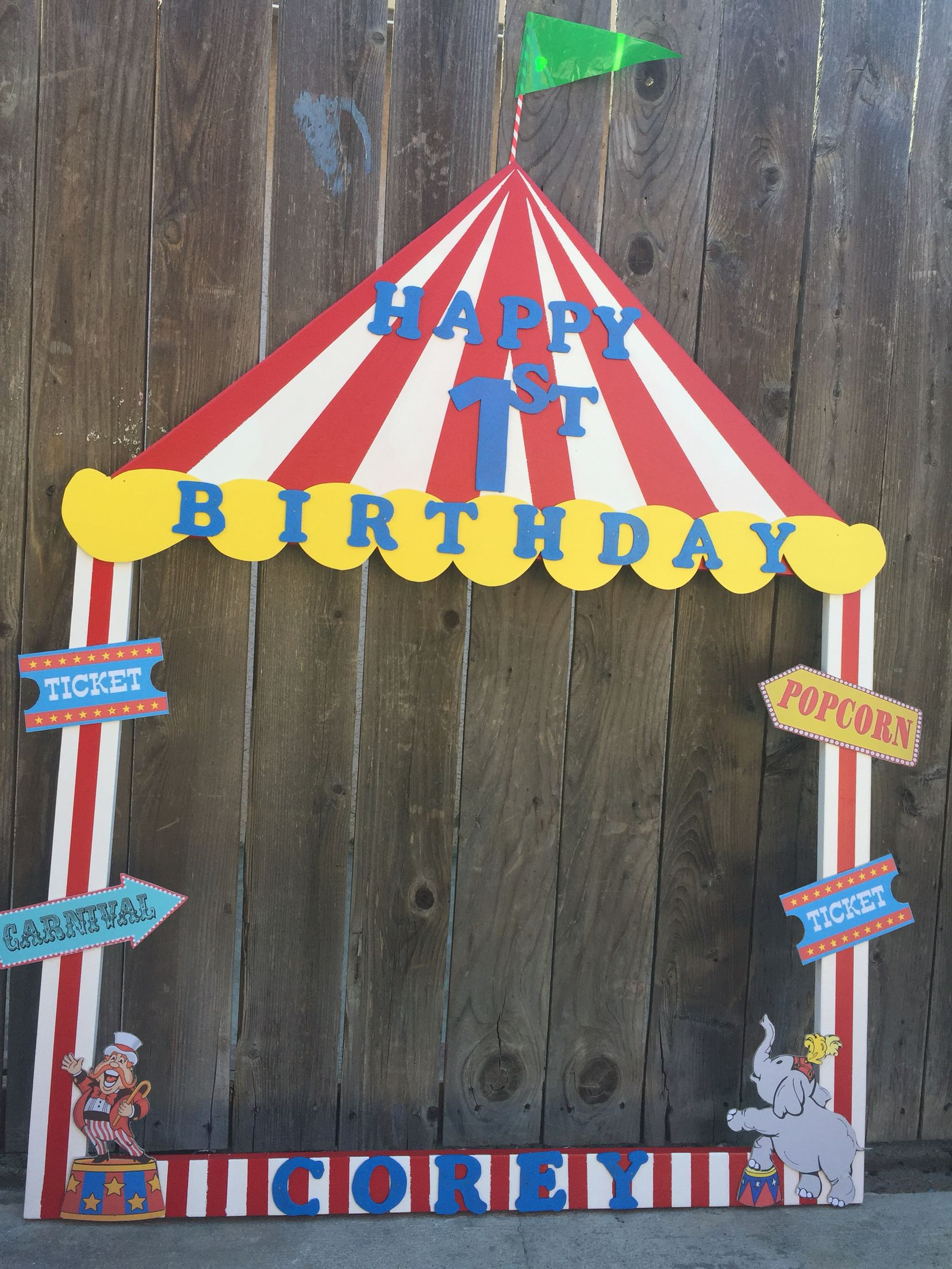 Circus theme selfie frame bigtop our wood creations for Festival decoration ideas