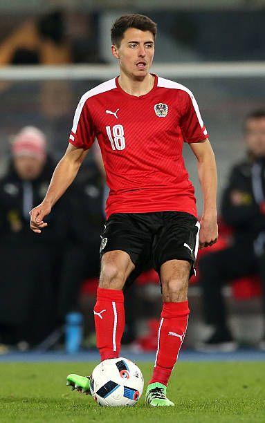 Albanischer Fußballspieler