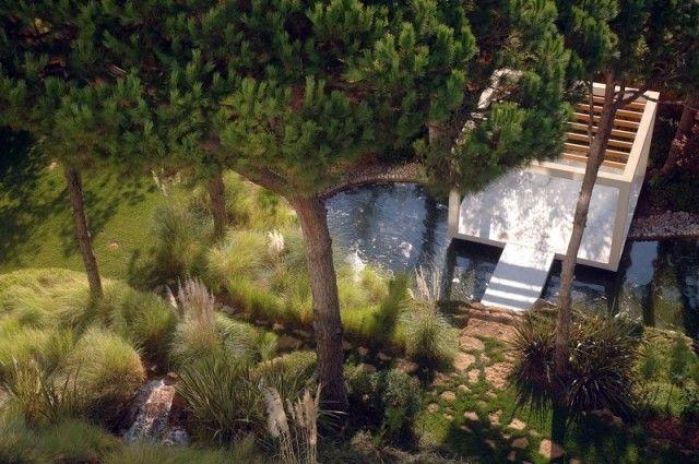 Jardin paysager contemporain design par Francis Landscapes   Gardens