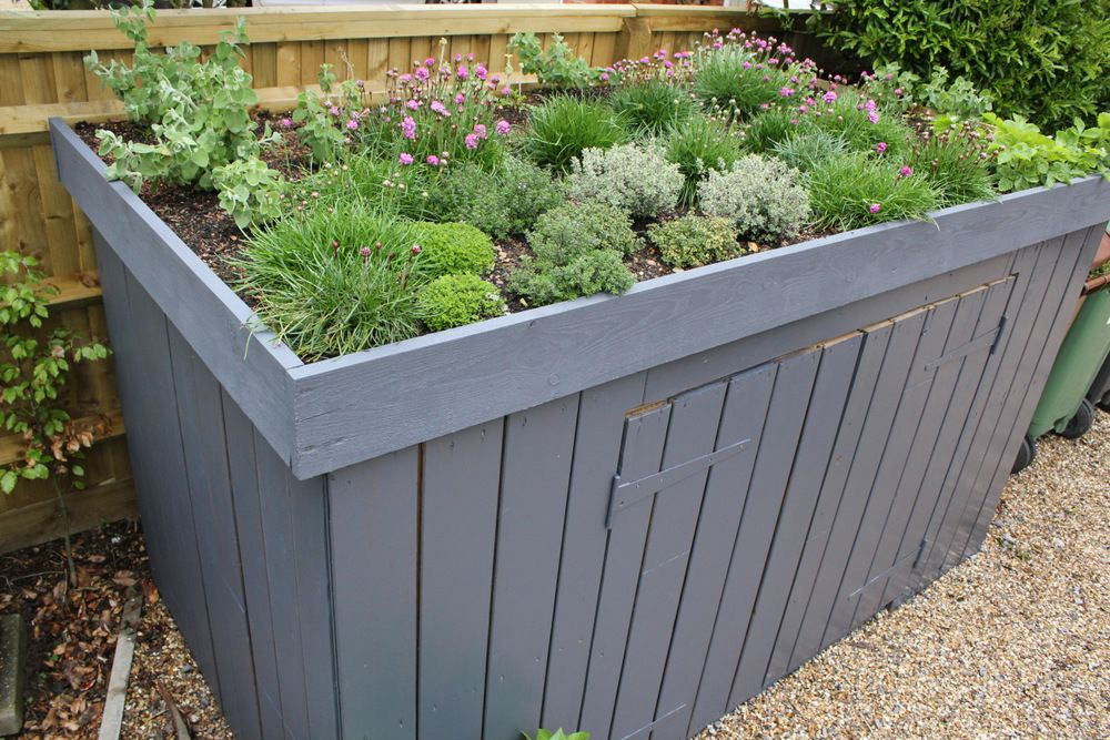 Small green roof storage green roofs and gardens for Shed roofs
