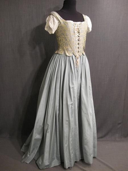 Pin By Katie S On Medieval Y Pinterest Historical Dresses Medieval Dress Renaissance Dresses